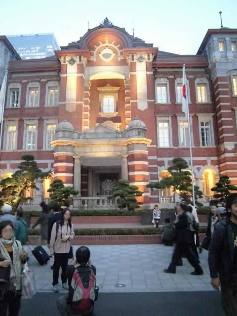 保存復原工事が完成 ライトアップに映える「東京駅」_f0141310_746509.jpg