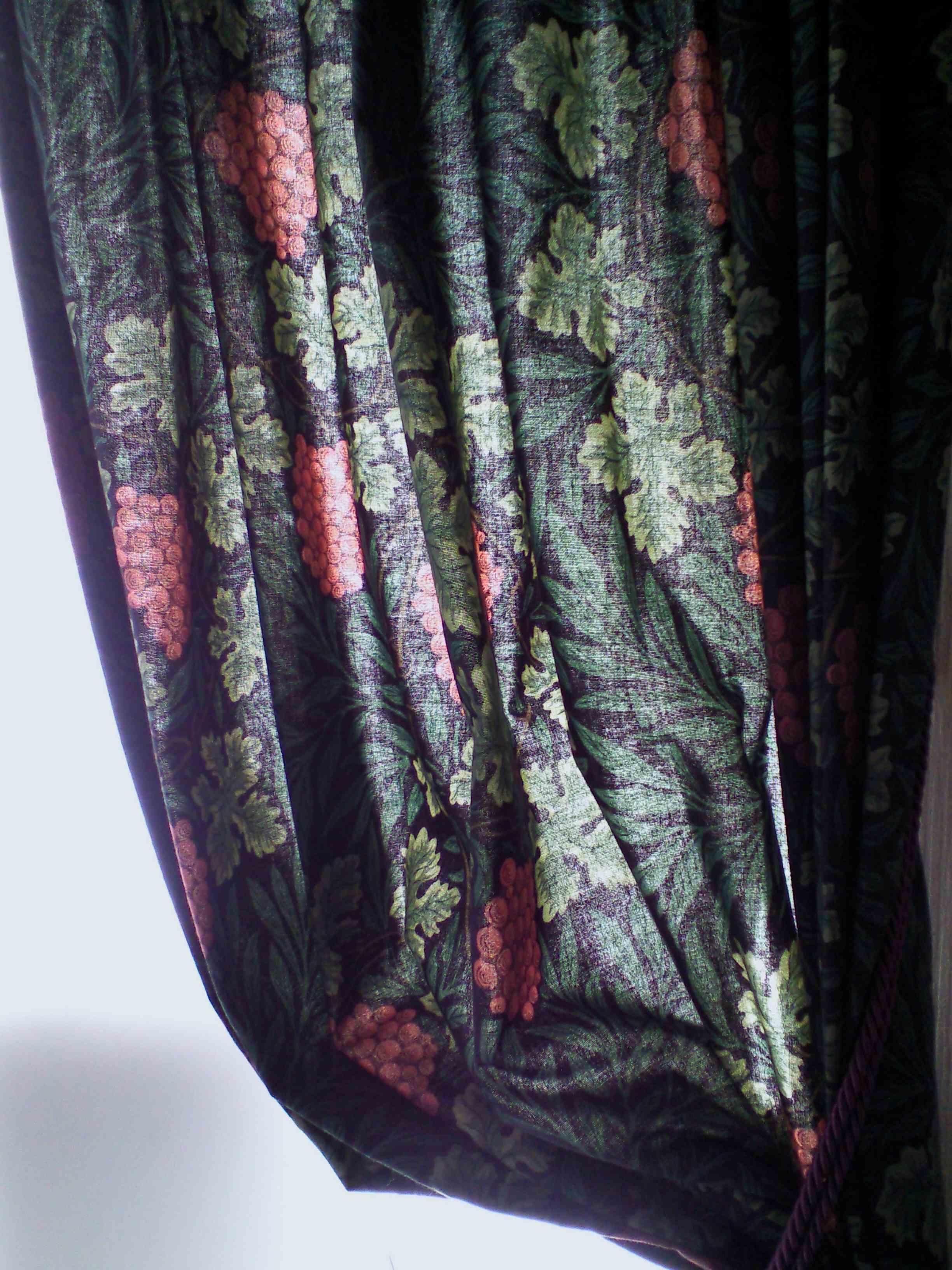 モリスのカーテン。_c0157866_17282166.jpg