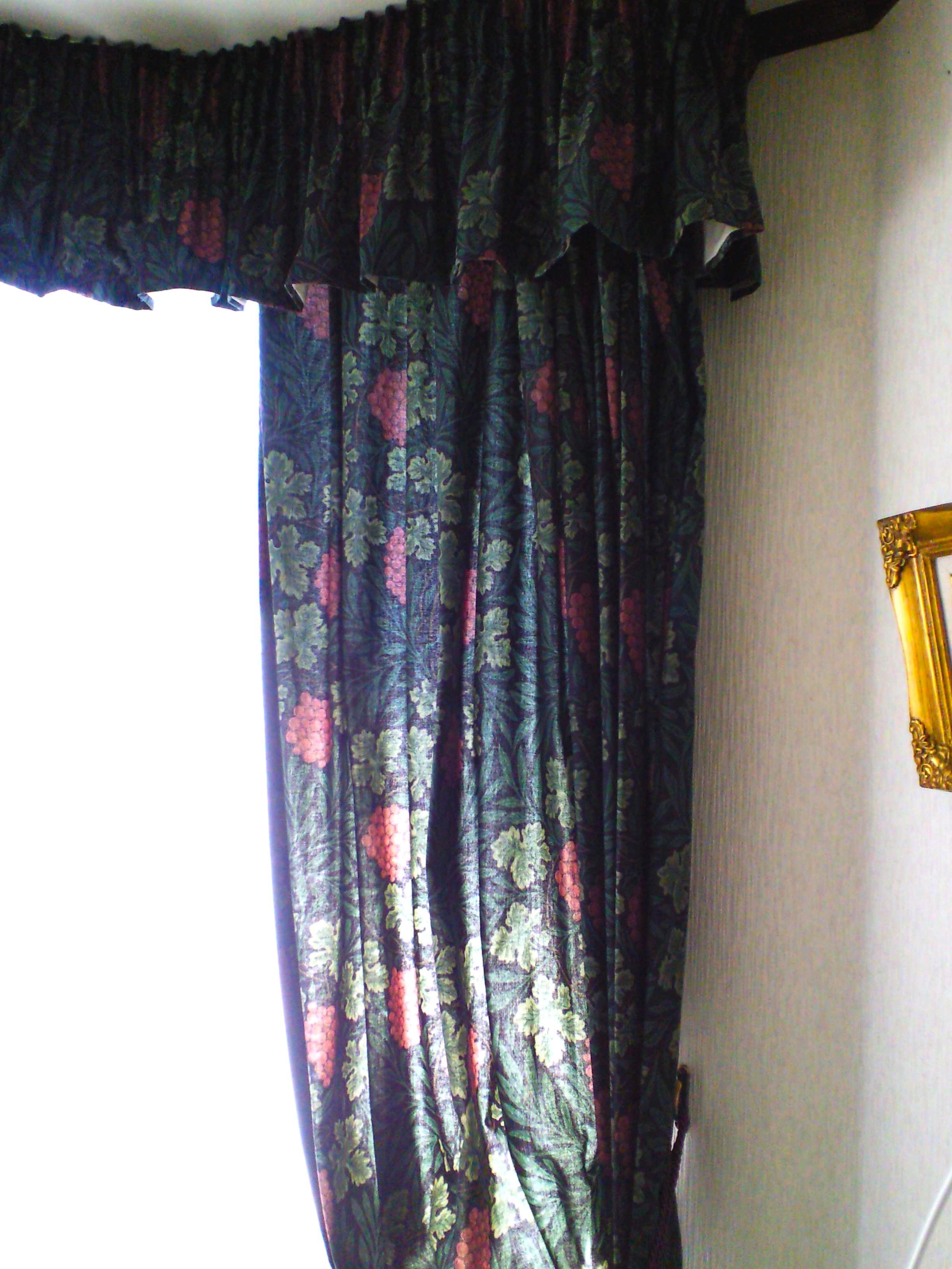 モリスのカーテン。_c0157866_17283523.jpg