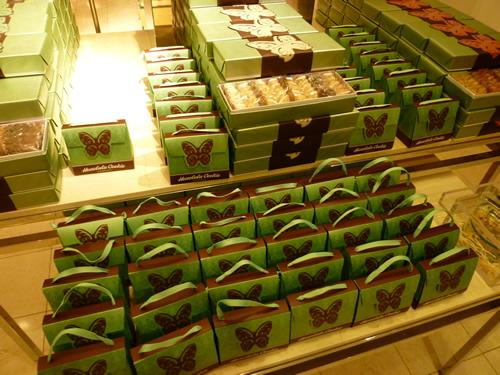 NeimanMarcus(ニーマン・マーカス)限定のPremium Butterfly Shortbread Cookies@ハワイでごはん2012秋_c0152767_21421696.jpg