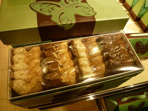 NeimanMarcus(ニーマン・マーカス)限定のPremium Butterfly Shortbread Cookies@ハワイでごはん2012秋_c0152767_21431124.jpg