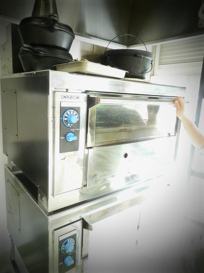 「石窯オーブン」で焼いています♪_a0125419_653421.jpg