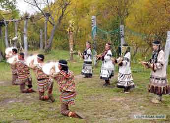 ネイティブアメリカン、琉球民族、アイヌ民族そしてロシアのイテリメン族。_b0003330_1482248.jpg