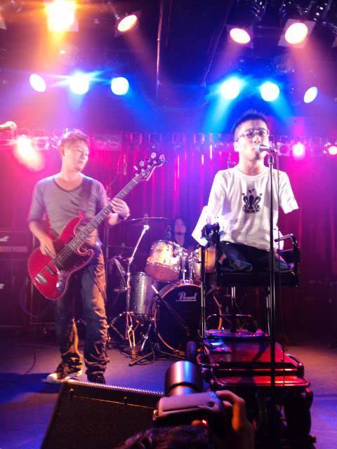 乙武くんのバンド Copwerking ライブへ行ってきました♪_f0186787_191455.jpg