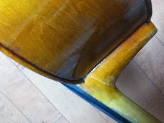 ジャンクチェロを買った_d0164691_1641128.jpg