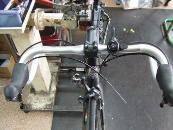 ビアンキ ロードバイク カスタム _e0140354_1649514.jpg