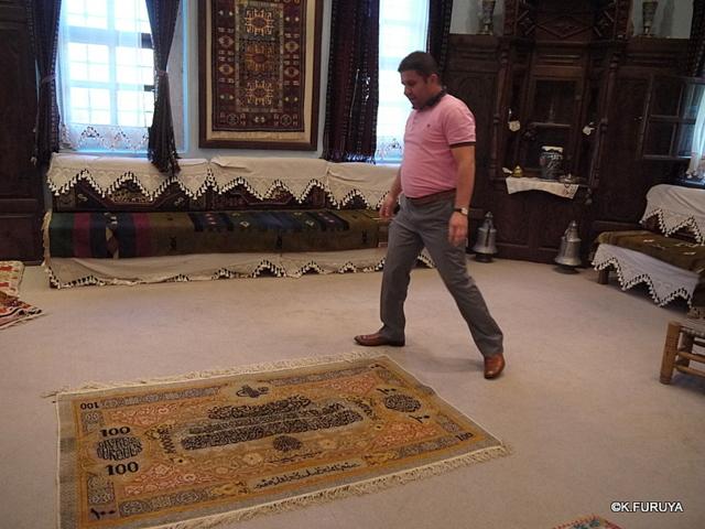 トルコ旅行記 19 カッパドキアの絨毯屋さん_a0092659_0392396.jpg