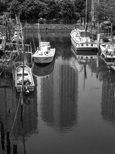 佃小橋から撮ったモノクロ写真_f0117059_19204472.jpg