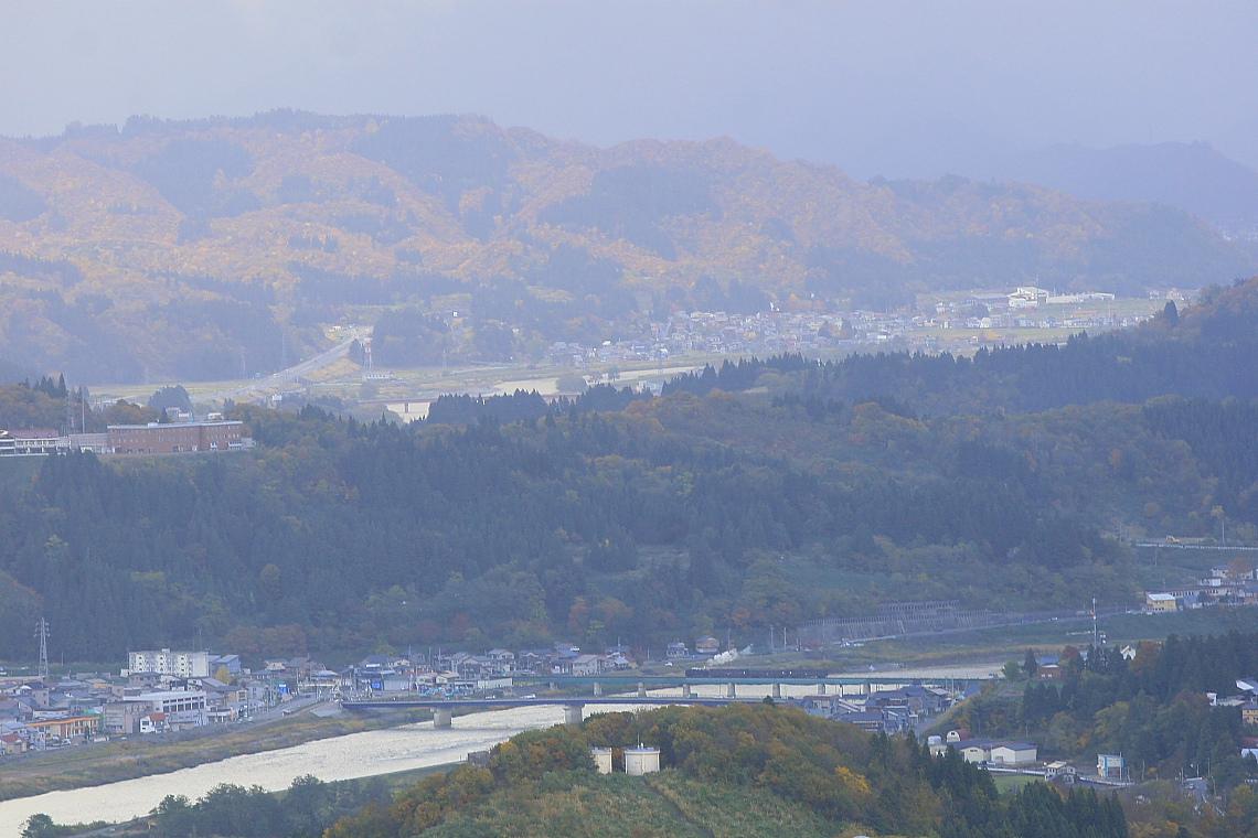 光と影の魚野川鉄橋 - 2012年秋・飯山線 -  _b0190710_2245378.jpg