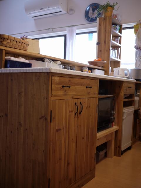 最初の手作り家具「キッチンカウンター」_b0271383_1263673.jpg