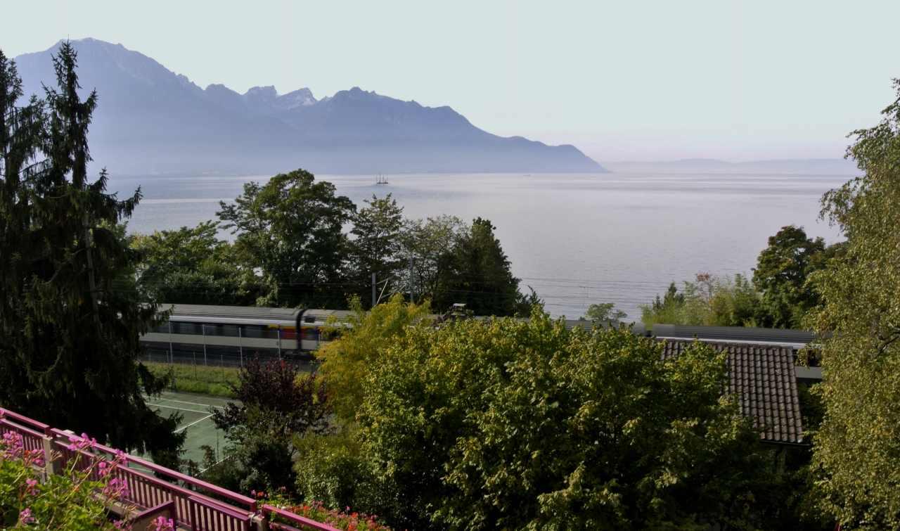 スイス紀行14:レマン湖周辺を_a0148206_16452271.jpg