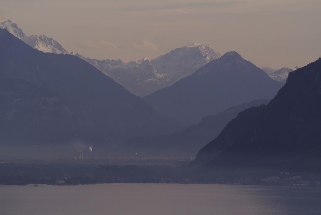 スイス紀行14:レマン湖周辺を_a0148206_1649115.jpg