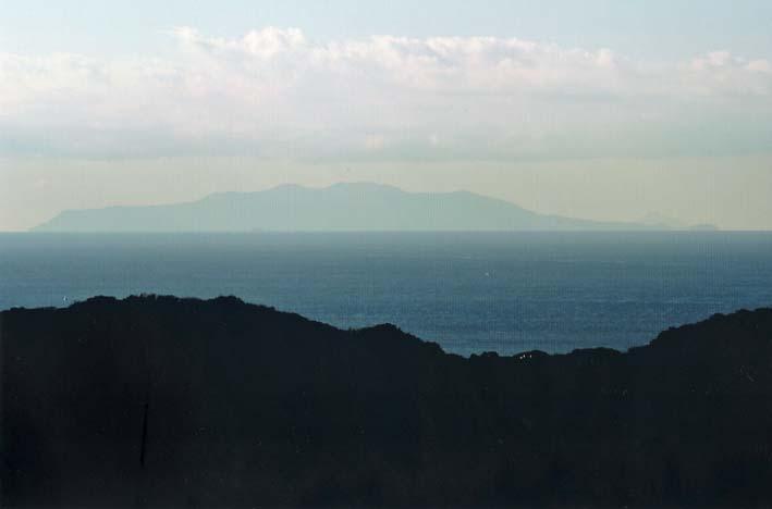 残念!スカイツリー霞み、富士見えず:北鎌倉ウオッチング_c0014967_1859941.jpg
