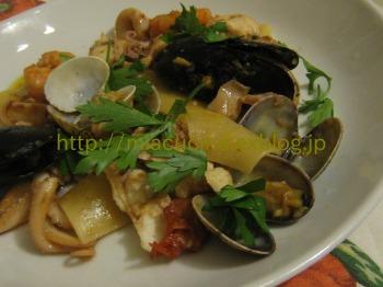 ナポリで食材を買う&魚介ソースのパッケリ_b0107003_21525013.jpg