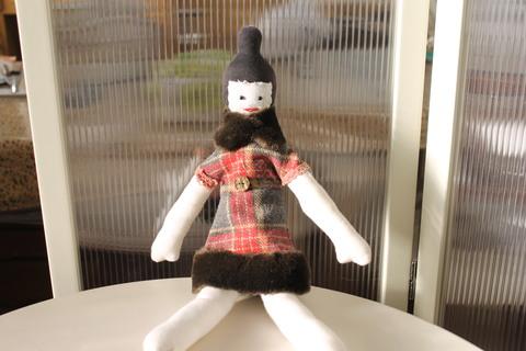 母の思い出とお人形の制作の思い出は!_e0201009_2238321.jpg