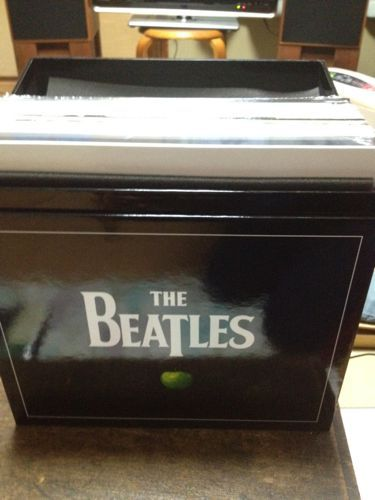 THE BEATLES LP BOX_d0102724_0365540.jpg