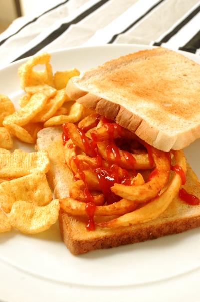 Chip butty(フライドポテトのサンドイッチ)_d0104926_432265.jpg