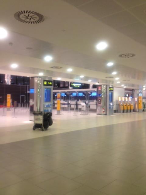 15/11/2012 フィレンツェ空港_a0136671_5303061.jpg