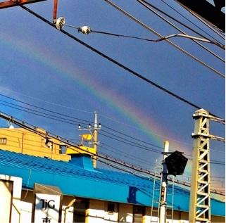 『虹』_a0075684_0474917.jpg