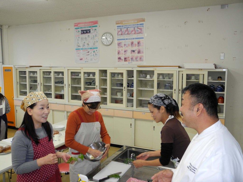 料理教室を行いました。_a0158527_12124526.jpg