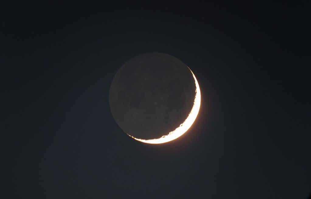 昨晩の月 _e0150433_1744753.jpg