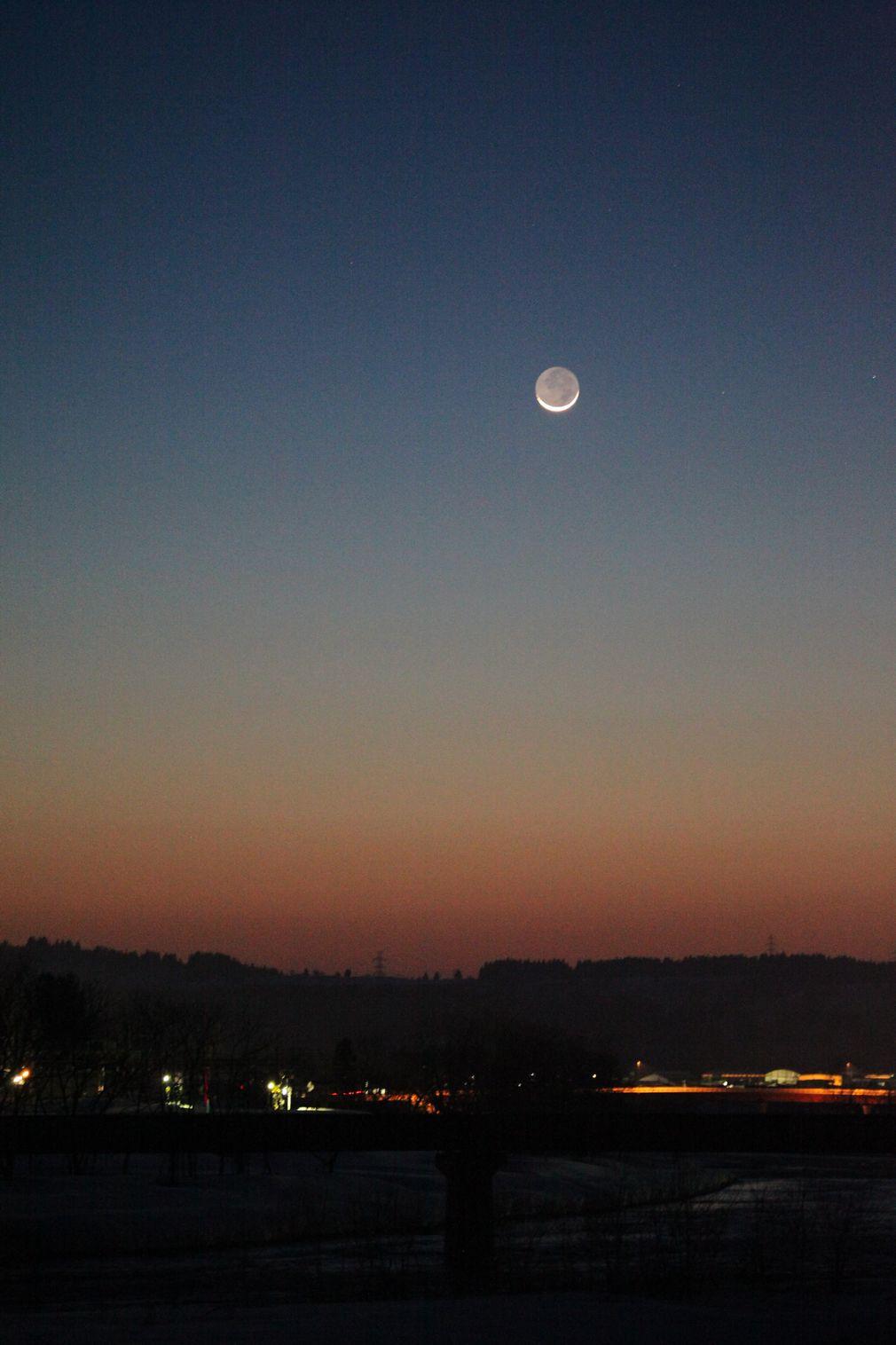 昨晩の月 _e0150433_1754917.jpg