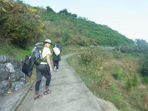 一日目:高野山へトレッキング_a0207588_2232043.jpg