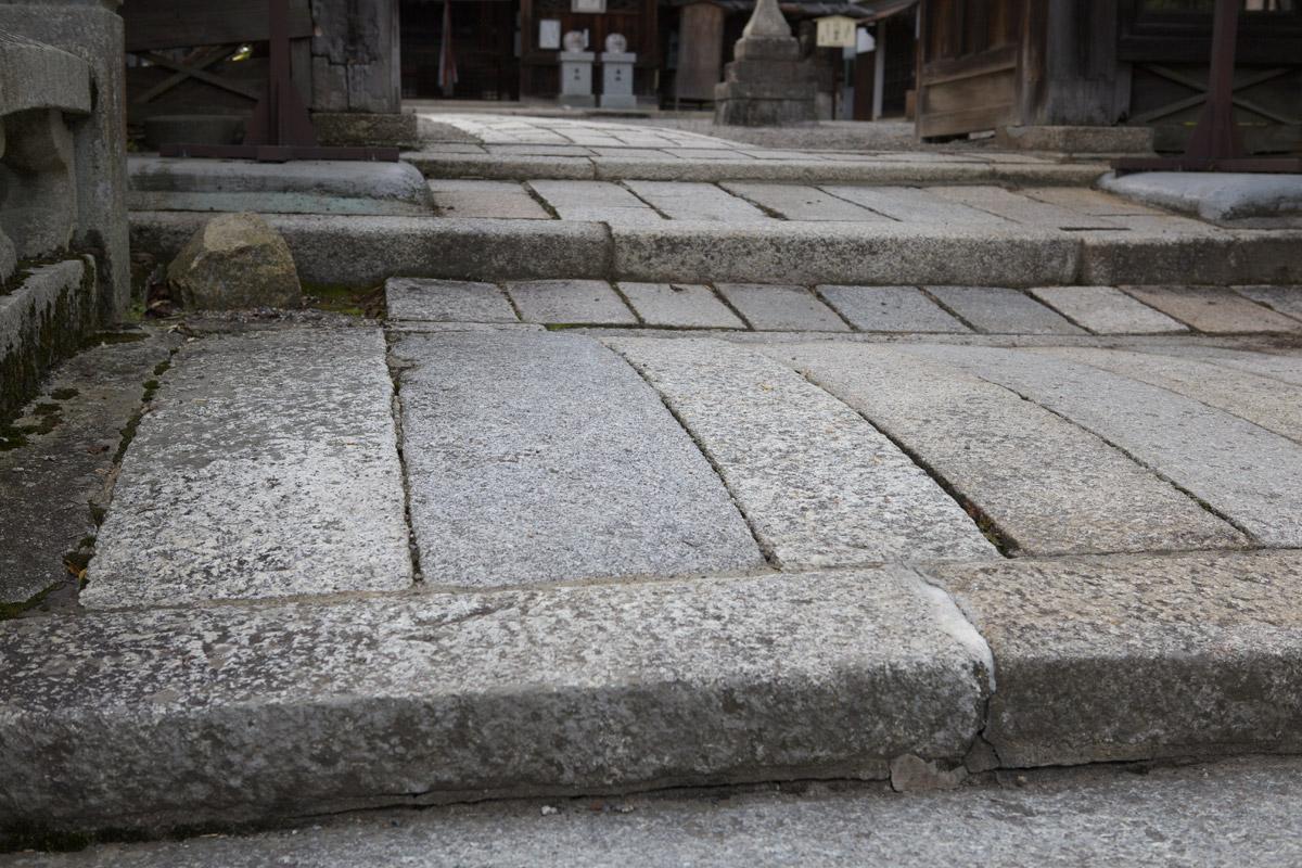 三尾神社_b0023523_22494886.jpg