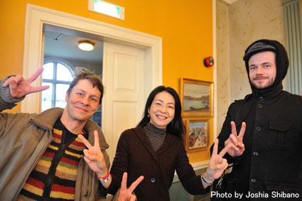 アイスランド・エアウエイブス2012(1):初日前半 ミュージシャンに囲まれ濃厚にスタート!_c0003620_19123272.jpg