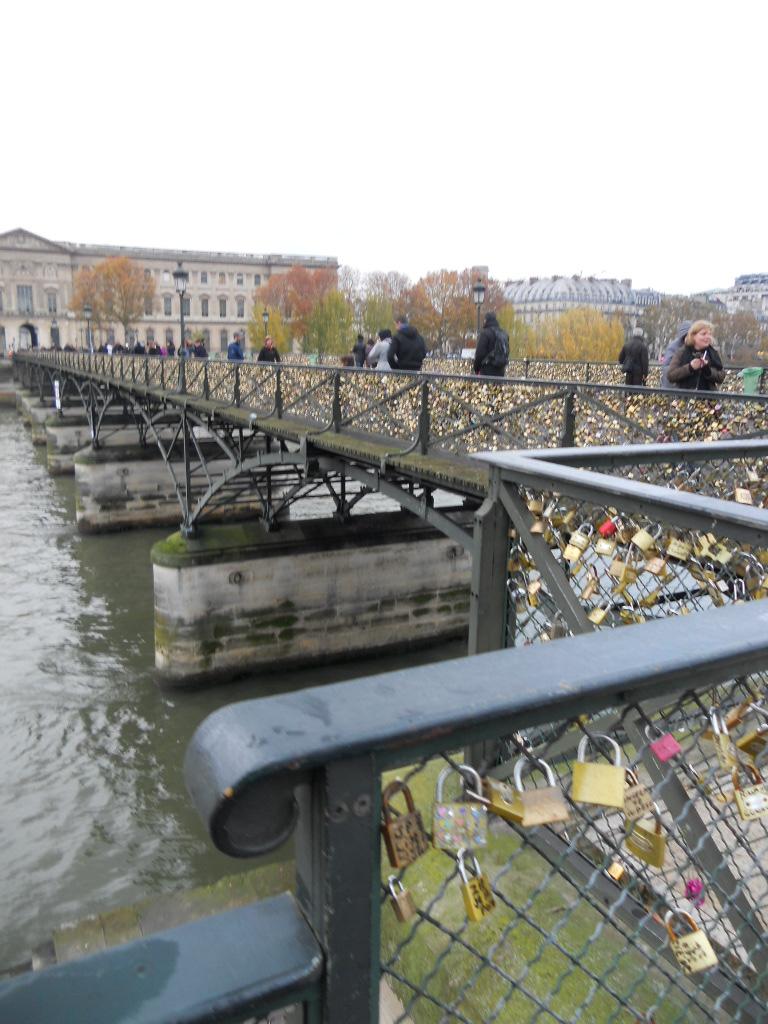 パリの風景いろいろ_a0066869_63411.jpg