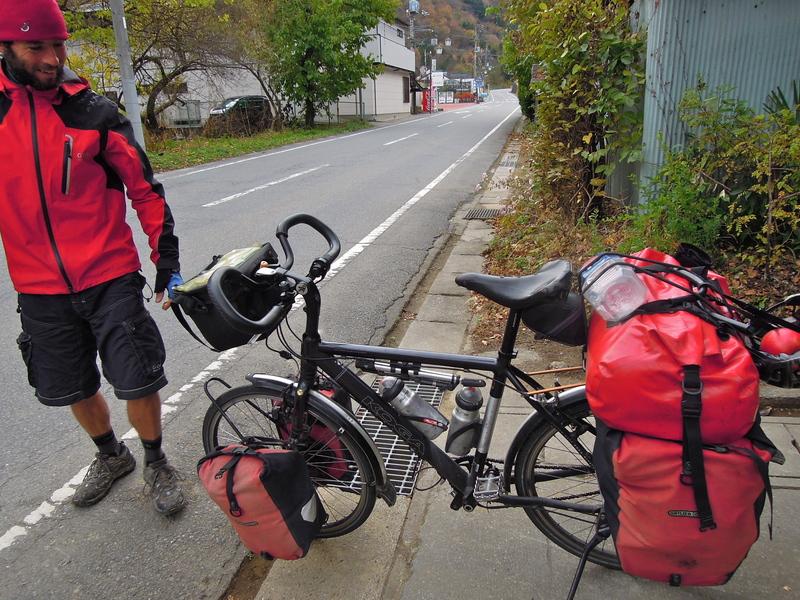 イギリスから自転車でやってきた、ニュージーランド人_b0209774_181092.jpg