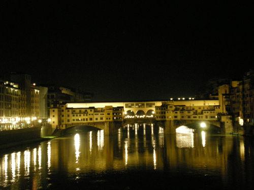 夜の食事の後はフィレンツェの夜の街を散策ー色んなものに出会えます!!_c0179785_19211319.jpg