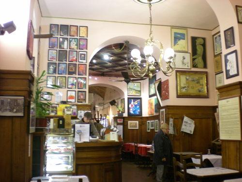 夜の食事の後はフィレンツェの夜の街を散策ー色んなものに出会えます!!_c0179785_1926038.jpg