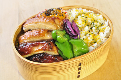 醤油塩麹の鶏弁当_b0171098_8174026.jpg