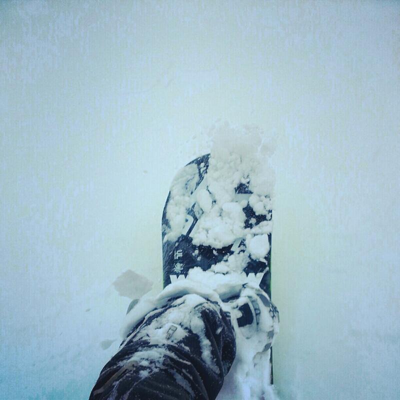初滑りはパウダー_e0173533_16115627.jpg