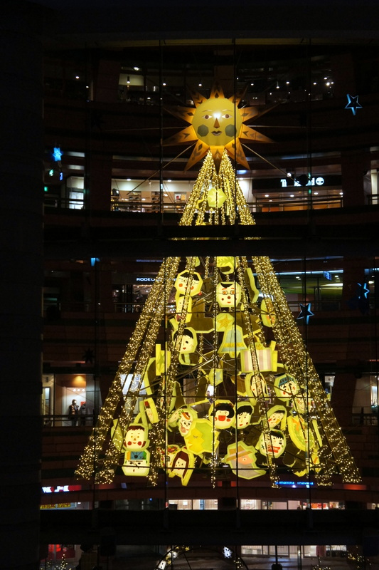 キャナルシティ 博多 太陽のクリスマス♪ _d0210450_1635359.jpg