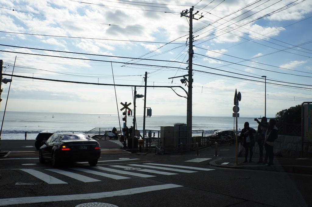 日曜日は江の電に乗って。_c0180686_2272268.jpg