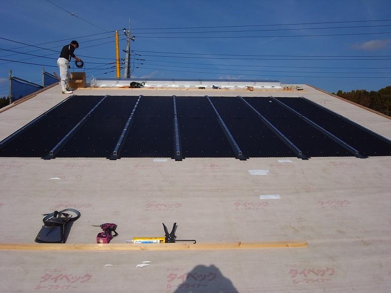 中台の家Ⅱ OMクワトロソーラー工事 2012/11/22_a0039934_143047100.jpg
