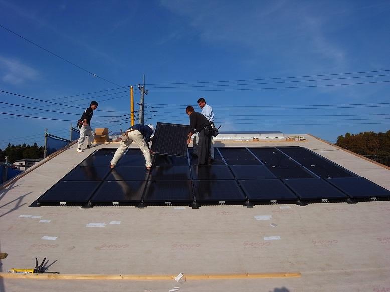 中台の家Ⅱ OMクワトロソーラー工事 2012/11/22_a0039934_14335753.jpg