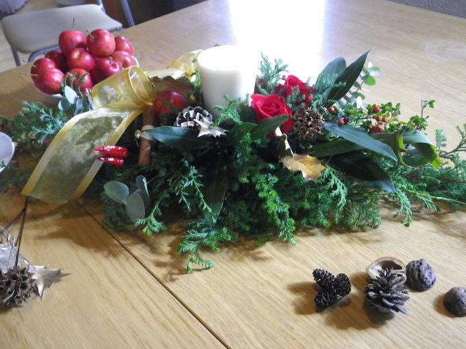 アロマキャンドルを使ったクリスマスアレンジメント_f0116297_11554317.jpg