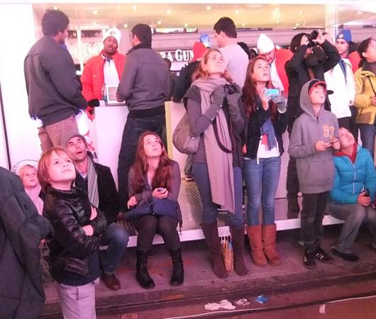 NYのタイムズスクエアで新型クロームブックのキャンペーンに遭遇_b0007805_1332121.jpg