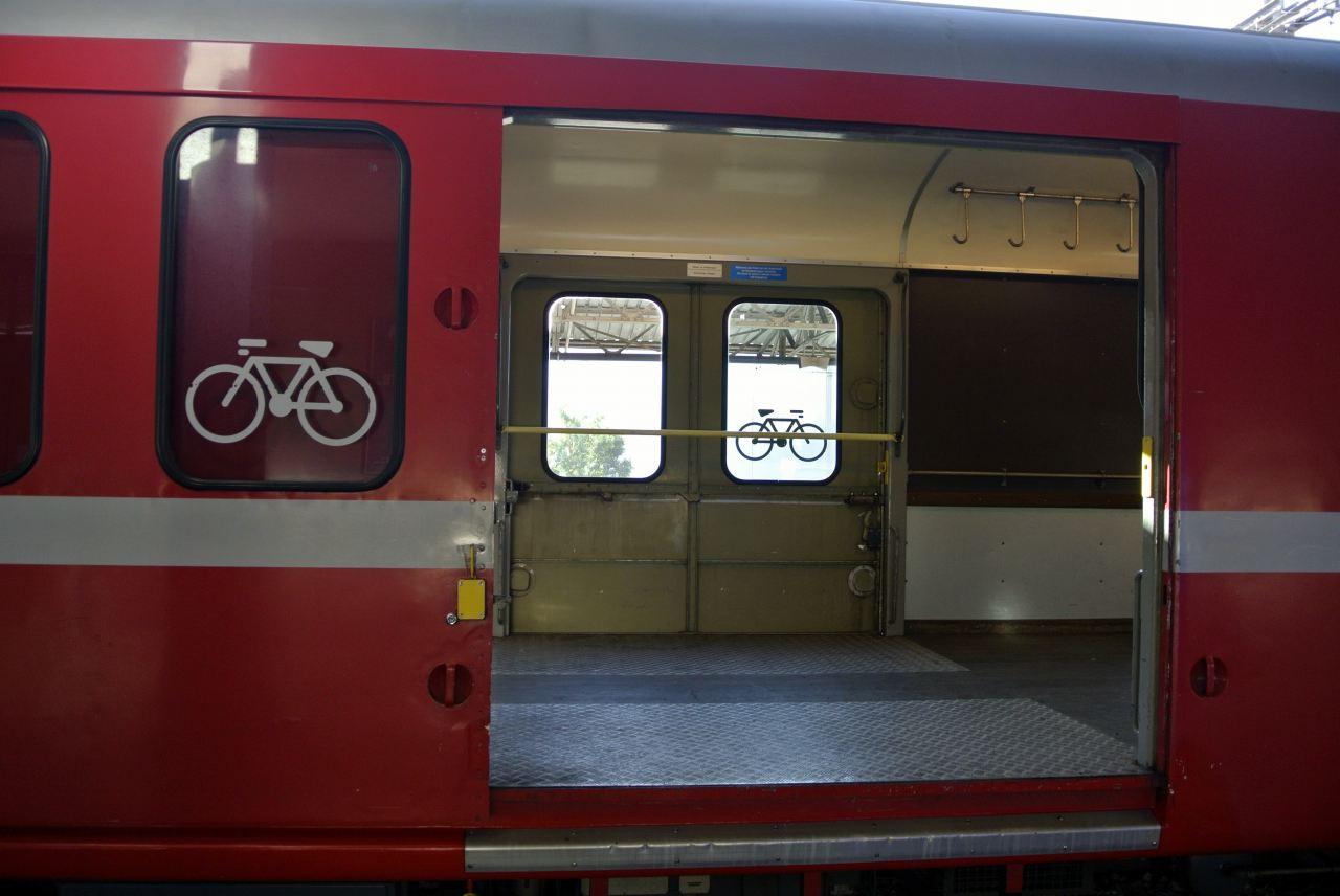 スイス紀行20 番外編5:次は列車の旅にしたい・・・_a0148206_9111360.jpg