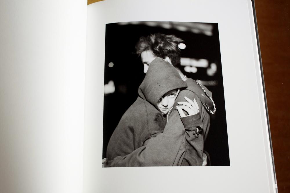 Alec Soth 「Looking for Love, 1996」_c0016177_15205517.jpg