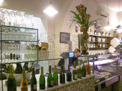 ヴェネッチアの居酒屋スタイルをここフィレンツェで楽しめるお店_c0179785_16395824.jpg