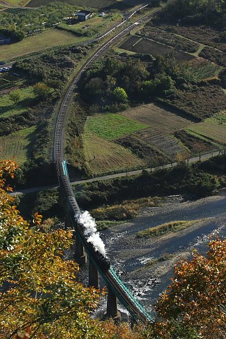 たまには鉄橋をアップで撮ってみた - 2012年晩秋・水郡線試運転 -  _b0190710_22361544.jpg