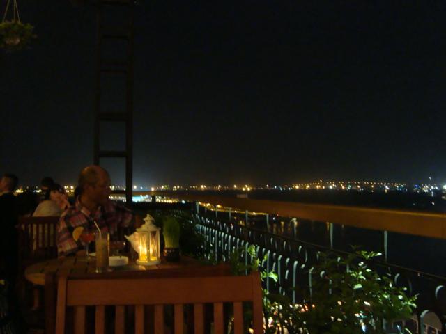 ベトナムへ行く。⑭ ~ホテルマジェスティック~_f0232060_2203342.jpg