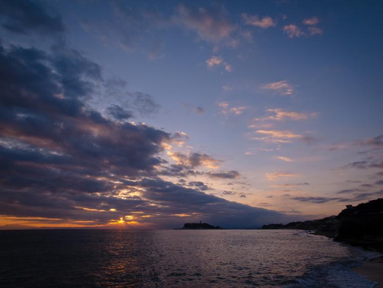 七里ヶ浜の夕景・11月25日篇。_b0022268_20353513.jpg