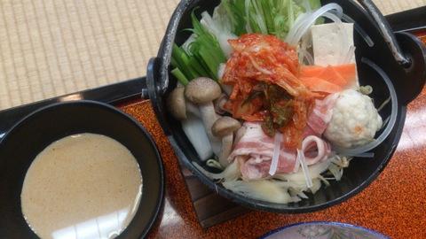 あったかメニュー「一人キムチ鍋」と「甘海老のお味噌汁」。_d0182179_15451653.jpg