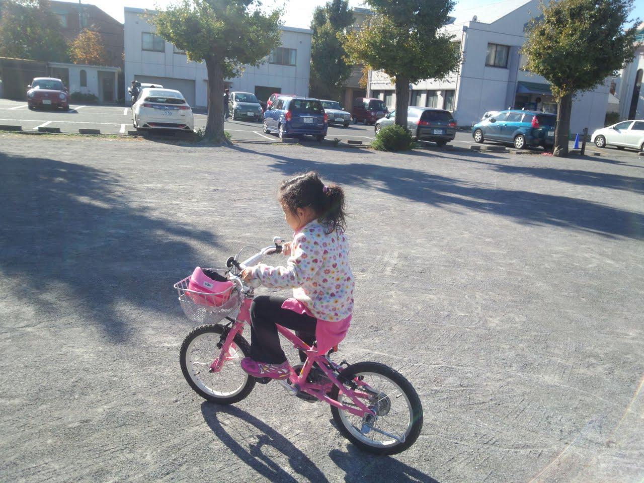 娘が自転車乗れるように?!_e0123104_79233.jpg