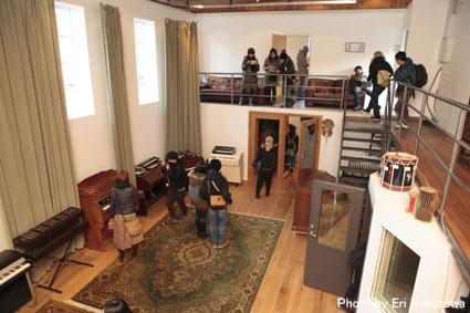 アイスランド・エアウエイブス2012(3):濃厚・満足スペシャル・スタジオツアーは未発表音源や凄い生演奏_c0003620_23334369.jpg